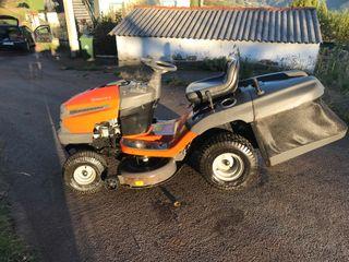 Tractor cortacésped Husqvarna TC 138