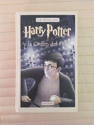 Libro N°5 de la colección Harry Potter.