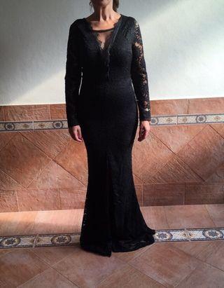 Vestido largo negro de encaje