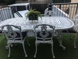 Mesa +sillas jardin
