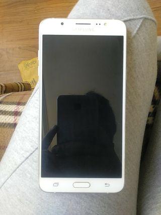 Samsung Galaxy J7 como nuevo....