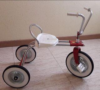 """Triciclo antiguo """"Coloma"""""""