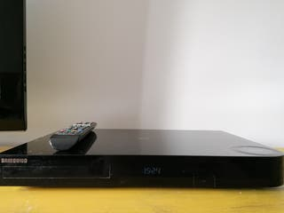 Reproductor Blu Ray + Smart Tv y sintonizador TDT.