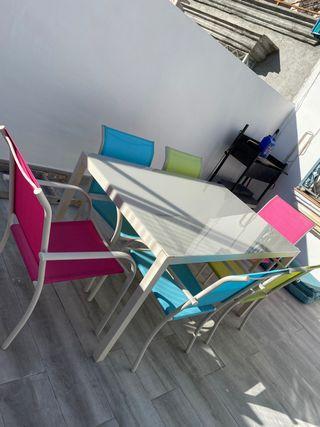 Conjunto mesa y 6 sillas exterior.