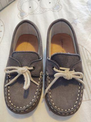 Zapatillas Zara mocasín para niño talla 24