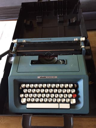 Máquina de escribir Olivetty Studio 46