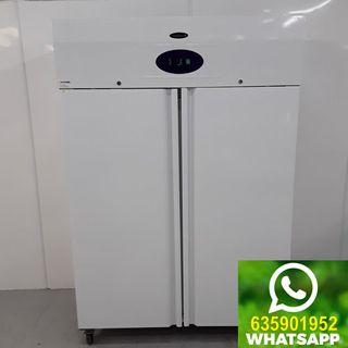 Armario refrigerado de servicio