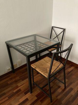 Conjunto Mesa cristal y acero +2 sillas IKEA