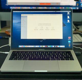 """Apple MacBook Pro intel core i5 8gb 256gb SSD 13"""""""