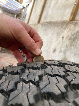 Neumáticos 4x4 good year 225 70 16