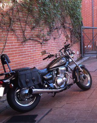 Moto custom Suzuki marauder 250