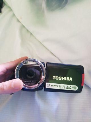 CÁMARA TOSHIBA FULL HD ZOOM ÓPTICO X5
