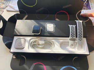 Apple Watch Serie 5 CELLULAF+ NIKE URGE nego