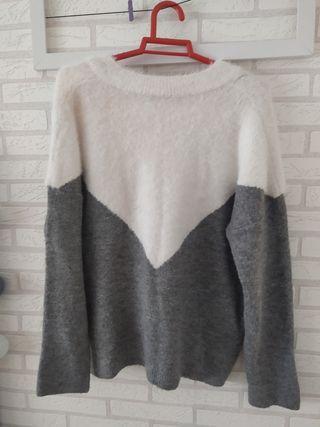 jersey gris y blanco