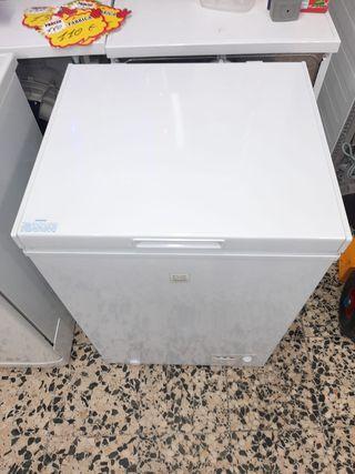 Congelador arcón marca DAEIVOO medida 56.5×50