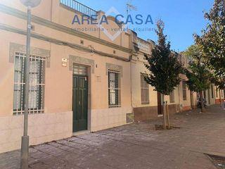 Chalet en alquiler en Vilapicina i la Torre Llobeta en Barcelona
