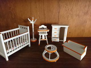 Dormitorio infantil de casa de Muñecas