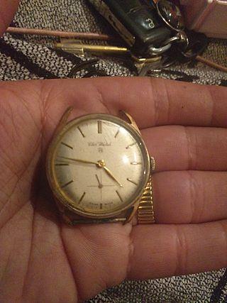 reloj de pulsera antiguo