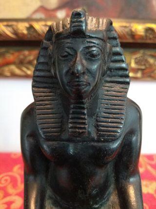 Figura Dios egipcio reproducción en resina