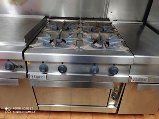 cocina y frytop de gas zanussi indrustrial