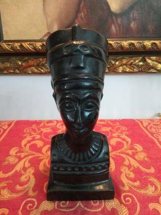 Figura busto Nefertiti reproducción en resina