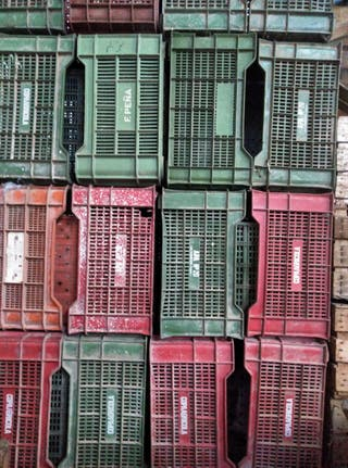 Cajas de fruta y cajas de madera