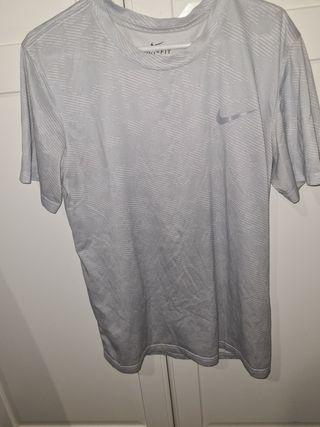 camiseta deporte hombre nike