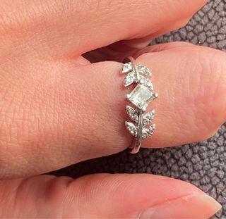 Anillo Hojas topacio y diamantes plata ARISTOCRAZY