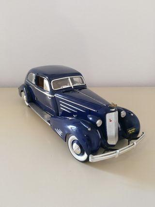 Coche Cadillac V16 1934 miniatura