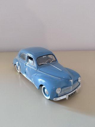 Coche Peugeot 203-1954 Miniatura