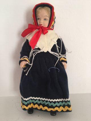 Muñeca de porcelana Noruega