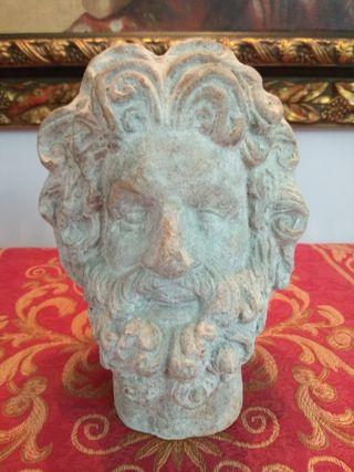 Figura cabeza reproducción en terracota