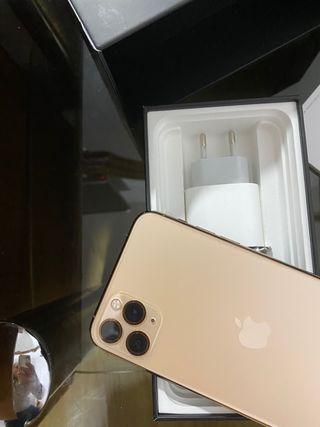 IPhone 11 Pro Max 512,Gold con 99% de batería!!