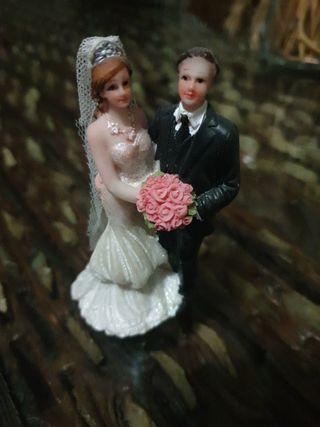Figuas novios tarta boda
