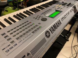 Yamaha Motif ES6 con flightcase