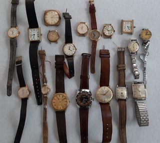 Conjunto de relojes antiguos
