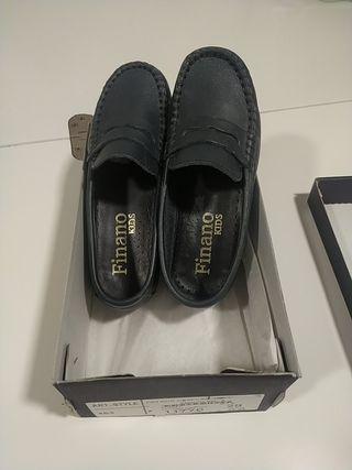 zapatos náuticos sin cordones niño. talla 29