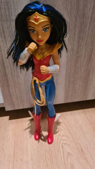 Wonder Woman con luz y sonido