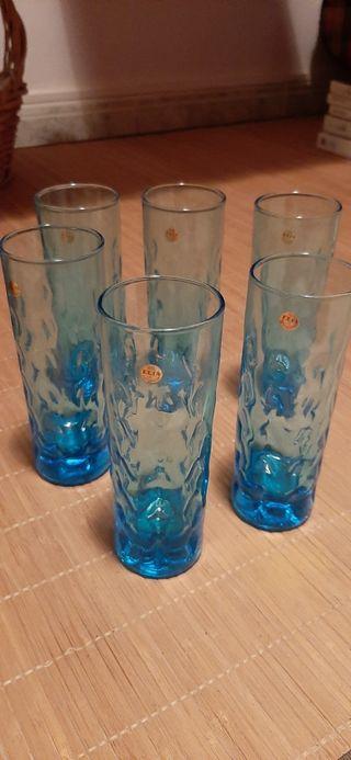 Vasos de tubo azules