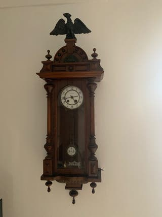 Reloj antiguo estilo alfonsino