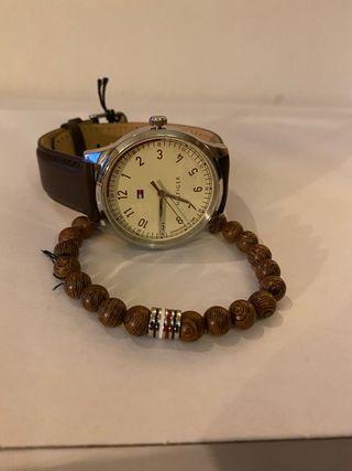 Reloj Tommy Hilfiger conjunto con pulsera elastica