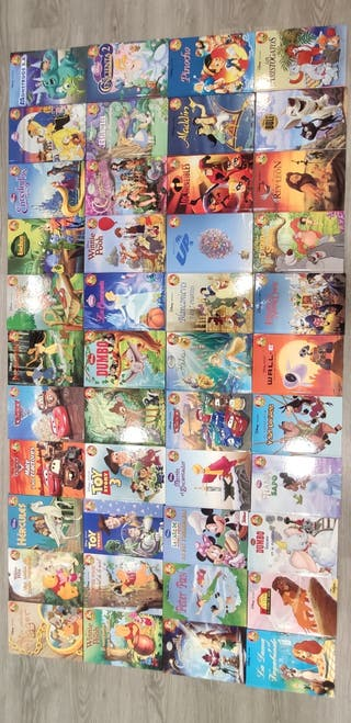 Colección de 44 libros infantiles de Disney.