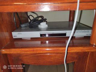 mini cadena y DVD