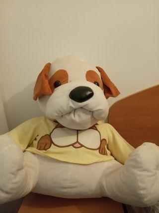 peluche grande de perro