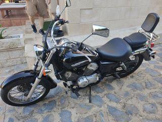 MOTO CUSTOM Honda Shadow VT 125cc