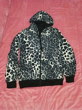 chaqueta reversible de leopardo