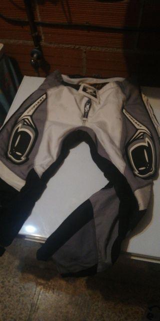 pantalón ufo