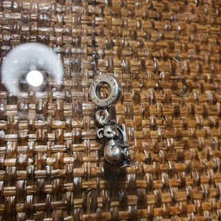 charm de plata pandora original