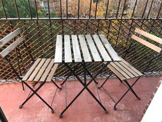 Dos Sillas y mesa de jardín