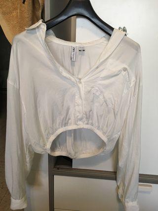 Blusa/camisa/crop top blanca de Zara